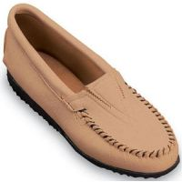 Deerskin Gore Front Crepe Sole Casual Minnetonka Moccasin Womens Shoes