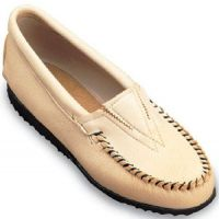 Deerskin Sole Casual Minnetonka Moccasin Womens Shoes (ONLINE ONLY)