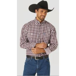 Wrangler Men's George Strait Long Sleeve Button Down Two Pocket Plaid Shirt MGSR803