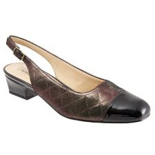 T7001-903 DEA Quilted Adjustable Sling Back Trotters Womens Shoes